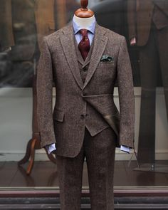 Donegal tweed three-piece suit is brown with a subtle flecks of earthy colours. Woven by Molloy & Sons, Donegal and tailored by Bladen. All the garments can favourably be worn as separates. Tweed Wedding Suits, Tweed Suits, Wedding Men, Mens Suits, Brown Tweed Suit, Wedding Dinner, Budget Wedding, Tweed Trousers, Tweed Jacket