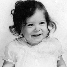 This little girl grew up to be New York's leading lady with a special thing for shoes! Can you guess who she is? Sarah Jessica Parker