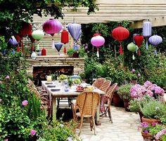 #Interior - Pretty outdoor entertaining spaces. Love lampions!!