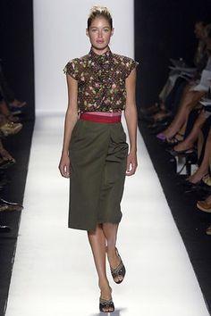 Carolina Herrera Spring 2006 Ready-to-Wear Fashion Show - Doutzen Kroes