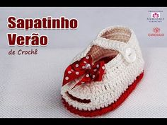 Sapatinho Verão de Crochê - Cléa - Parte 1 - Professora Simone - YouTube Booties Crochet, Crochet Baby Sandals, Crochet Baby Clothes, Crochet Shoes, Crochet Slippers, Crochet For Kids, Free Crochet, Felt Baby, Baby Boots