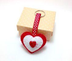 Felt keyring. Felt keychain. Felt Heart Ornament. by joojoocraft, £4.50
