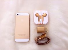 This GOLD charging set is super chic! Golden 8 Pin Lightning to USB Cable & AV Wall Charger Cube & Earphone For iPhone iPod, iPad (Wall Charger + Cable + Earbuds/Headphone For Iphone Iphone 6, Coque Iphone, Apple Iphone, Iphone Cases, Ipod 5, Cute Cases, Cute Phone Cases, Macbook, Tablets
