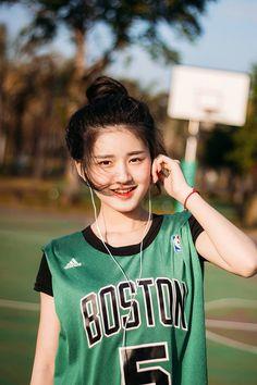 Ulzzang Korean Girl, Cute Korean Girl, Cute Asian Girls, Cute Girls, Cute Girl Poses, Poses For Pictures, Chinese Actress, Beautiful Asian Women, Aesthetic Girl