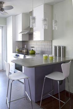 kleine keuken met een barretje!
