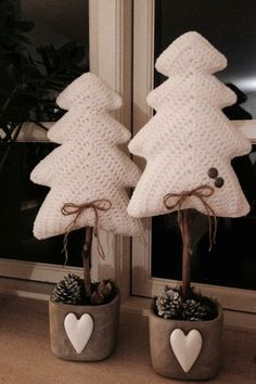Best Ideas Crochet Christmas Decorations Sweets Best Ideas Crochet Christmas Decorations Sweets Always aspired to learn how to knit, nonetheless unsure whe. Crochet Christmas Decorations, Crochet Christmas Ornaments, Crochet Decoration, Christmas Crochet Patterns, Holiday Crochet, Christmas Knitting, Christmas Crafts, Crochet Tree, Crochet Crafts
