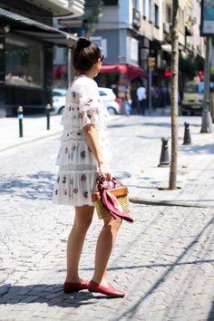 Embroidered Floral Dress | Basket Bag | Gucci Jordaan Loafer | Fendi Iridia | Yellow Cabs | Istanbul Nisantasi - Fashionnes