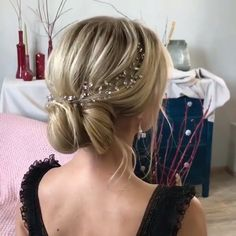 Wedding Hair Vine Crystals hair vine Silver Bridal hair accessories Silver Bridal hair vine Wedding in 2020 Up Hairstyles, Braided Hairstyles, Wedding Hairstyles, Amazing Hairstyles, Wedding Updo, Hairdos, Hair Upstyles, Bridal Hair Vine, Hair Videos