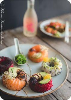 Sushi donuts with avocado filling - Fisch Rezepte - fish recipes - Asian Recipes Shrimp Recipes, Fish Recipes, Asian Recipes, Snack Recipes, Healthy Recipes, Avocado Recipes, Sushi Donuts, Sushi Co, Donuts Donuts