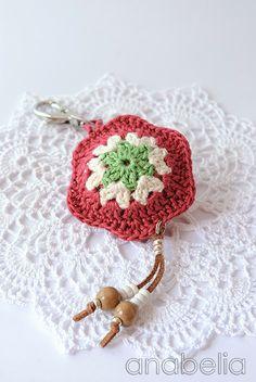 Flower key chain by Anabelia