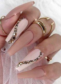 Wonderful ideas of long nails for new year. Wonderful ideas of long nails in the new year # Fancy Nails, Bling Nails, Glam Nails, Stylish Nails, Trendy Nails, Nagel Bling, Long Nail Art, Stiletto Nail Art, Best Acrylic Nails