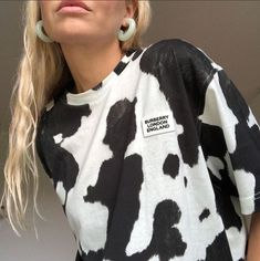 Style Fashion Tips cow print trend.Style Fashion Tips cow print trend Mode Outfits, Fashion Outfits, Fashion Tips, Fashion Ideas, Fashion Brands, Fashion Beauty, Fashion Quiz, Airport Outfits, Fashion Blouses