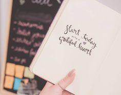 """317 curtidas, 19 comentários - Marina Agostini (@marinaagostini) no Instagram: """"Start today with a grateful heart ❤ saiu vídeo novo no canal mostrando o meu bullet journal desse…"""""""