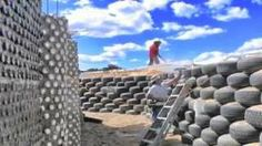 The houses are built using old car and truck tires, pictured, reducing the need to use new materials Earthship Biotecture, Deserts Of The World, Spaceship Earth, Desert Homes, Modular Homes, Natural Disasters, Sustainable Living, New Mexico, New Zealand