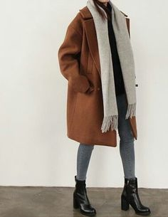 Autumn-Winter-Trends We discover the fashion trends of the season.site Autumn-Winter-Trends We discover the fashion trends of the season. Autumn-Winter-Trends We discover the fashion trends of the season. Winter Trends, Winter 2017, Fall Winter Outfits, Autumn Winter Fashion, Winter Wear, Dress Winter, Winter Clothes, Casual Winter, Winter Dresses