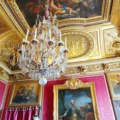 🗼Because we all need an apartment like Napoleon 🖼️ had in Paris. Paris Paris, Paris France, Muse Art, Napoleon, Art Museum, Home Furnishings, Living Room Decor, Louvre, House Design