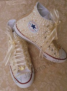Tennis for quinceanera Zapatos Bling Bling, Bling Converse, Bling Shoes, Moda Sneakers, Converse Sneakers, Sneakers Fashion, Fashion Shoes, Bridal Shoes, Wedding Shoes