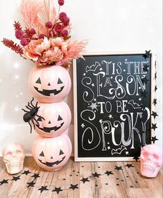 Pink Halloween, Halloween Home Decor, Halloween Birthday, Diy Halloween Decorations, Holidays Halloween, Halloween Themes, Halloween Crafts, Holiday Crafts, Holiday Fun