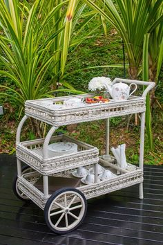 Gorgeous little #tea trolley for afternoon lunch in Singapore