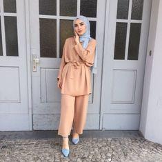 Muslim Fashion 736408976556272150 - 13 Tuto Hijab Pour Jeune Fille – Hijab Fashion and Chic Style Source by ilaydabrc Modern Hijab Fashion, Hijab Fashion Inspiration, Muslim Fashion, Mode Inspiration, 80s Fashion, Modest Fashion, Fashion Outfits, Style Fashion, Fashion Tips