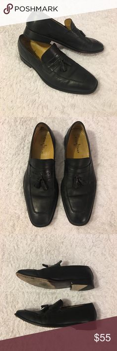 Cole Haan Nike Air Giraldo Tassel Loafers Size 11 Cole Haan Nike Air Giraldo Tassel Loafers. Men's Size 11 Dress Shoes. C07906. Lightly Worn With Normal Wear And Tear. Few Scuffs And Creasing In The Leather. Over All Excellent Pre Owned Condition. Cole Haan Shoes Loafers & Slip-Ons