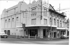 Malvern Hoyts theatre, Cnr Glenferrie and Dandenong Roads, Malvern, Melbourne, Australia. Photo taken in demolished late seeing Crocodile Dundee here for some reason. Old Pictures, Old Photos, Crocodile Dundee, Melbourne Victoria, Theatres, Melbourne Australia, Roads, Childhood Memories, 1980s