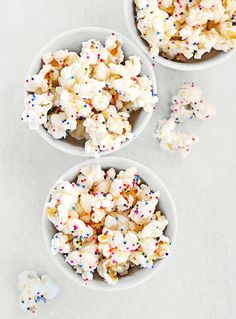 White chocolate and sprinkle party Popcorn