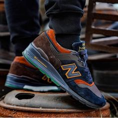 "in the NB 997 x ""Grizzly Bear"" Nb Sneakers, New Balance Sneakers, New Balance Shoes, Casual Sneakers, New Balance Style, New Balance Men, Large Men Fashion, Mens Fashion, Nb Shoes"