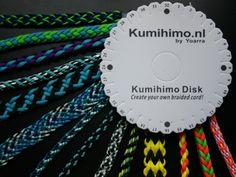 Met paracord kun je ook schitterende banden vlechten, in verschillende diktes gevlochten met een kumihimo disc!  www.kumihimo.nl