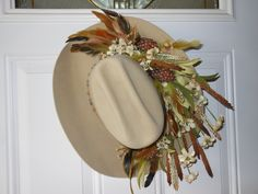 Decorated Cowboy Hat Wall Hanging / Flower & by Western Wreaths, Western Decor, Western Hats, Western Theme, Western Christmas, Christmas Mom, Cowboys Wreath, Cowboy Crafts, Dollar Store Crafts