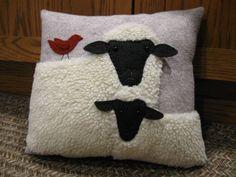 Sweet lamb and sheep pillow wool application handmade primitive - . : Sweet lamb and sheep pillow wool application handmade primitive – # Sweet Applique Cushions, Sewing Pillows, Wool Applique, Applique Patterns, Wool Pillows, Sheep Crafts, Felt Crafts, Fabric Crafts, Sewing Crafts