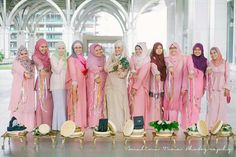 Malay bride & bridesmaids