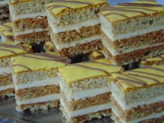 Hungarian Desserts, Poppy Cake, Cake Recipes, Dessert Recipes, Winter Food, Tiramisu, Cukor, Food And Drink, Ethnic Recipes