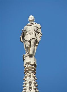 Alexander was a Roman soldier, native or resident of Bergamo, tortured and killed for not having renounced his Christian faith. Roman Soldiers, Christian Faith, Statue Of Liberty, Cathedrals, Monuments, Italia, Statue Of Liberty Facts, Statue Of Libery, Cathedral