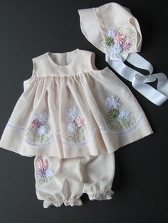Diy Crafts - I know a little maiden, She is very fair and sweet, As she trips among the grasses That kiss her dainty feet; Her arms are full of flo. Baby Outfits, Little Girl Dresses, Toddler Outfits, Kids Outfits, Vintage Baby Dresses, Dress Girl, Toddler Dress, Kids Clothes Boys, Cute Baby Clothes