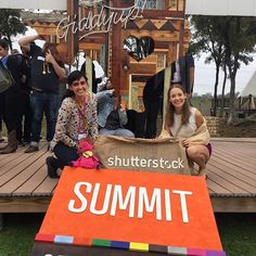 GRACIAS @shutterstock por traernos al #CMsummit16 we ❤️you! #CreativeMornings