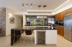 הוד והדר במרכז- עיצוב מחדש לדירה בראשון לציון | עיצוב מטבח | עיצוב חדרי הבית | מגזין בית ונוי |