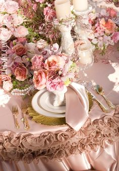 Pink & gold luxury  #wedding #decor #wildflower #linen #table #roses