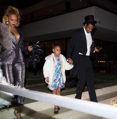 Beyoncé's Favorite Outfits From the Last Year - New Jay Z and Blue Ivy Photos Released Carter Family, Carter Kids, Mrs Carter, Beyonce Knowles Carter, Beyonce And Jay Z, Jayz Beyonce, Beyonce Style, Rihanna, Blue Ivy Carter