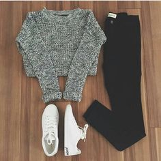 36 Inspiring Warm School Outfit Ideas - While the back to school season might be the keep going thing at the forefront of your thoughts since summer has quite recently begun, it's never too . Komplette Outfits, Teenage Outfits, Teen Fashion Outfits, Cute Casual Outfits, Look Fashion, Outfits For Teens, Fashion Styles, Stylish Outfits, Fall Fashion
