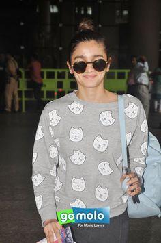Alia Bhatt snapped at Mumbai International Airport