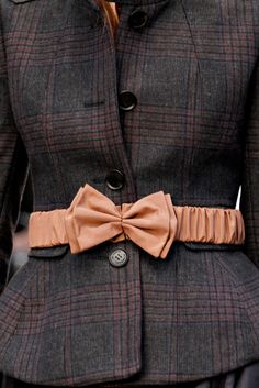 Burberry Fall 2012 Ready-to-Wear Fashion Show Details