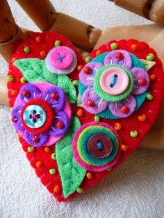 Items similar to Japanese Art Inspired Handmade Heart Shape Felt Brooch - Red on Etsy Felt Diy, Handmade Felt, Handmade Bookmarks, Felt Embroidery, Embroidery Patterns, Fabric Crafts, Sewing Crafts, Felt Brooch, Brooch Pin