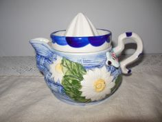 Vintage Juicer Reamer Two Pc. Teapot Style Raised Floral Design Daisy Bumble Bee