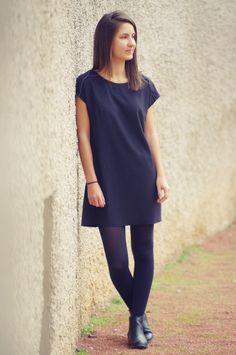 En 7 ans de blog, je crois que je n'ai jamais cousu de petite robe noire digne de ce nom. Ce n'était pourtant pas faute d'avoir eu vent des différents défis collectifs sur le thèm…