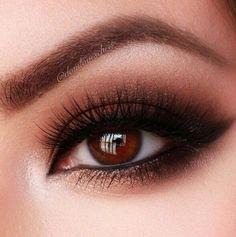 Crazy pretty smokey eye!! Definitely a must Do!!