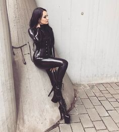 """1,422 Likes, 26 Comments - Isi (@bella_isadora_official) on Instagram: """"Shootingtime in Berlin """""""