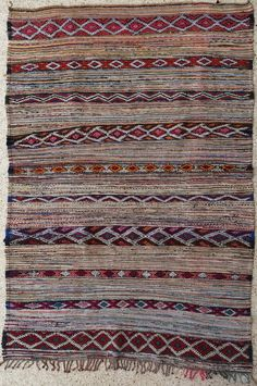 "102""X61"" Vintage Moroccan rug woven by hand from scraps of fabric / boucherouite / boucherouette"