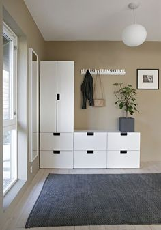Browse the collection of all the interior design inspiration that Stylizimo has created over the years. Categorized, simple and beautiful. Hallway Inspiration, Interior Design Inspiration, Nordli Ikea, Ikea Hallway, Ikea Furniture, Hallway Decorating, Beautiful Interiors, Decoration, Home Projects