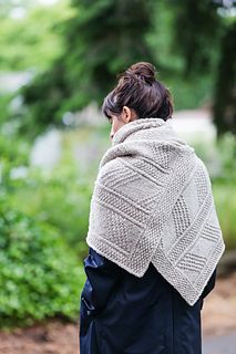 Wallace - shawl / wrap / scarf knitting pattern by Julie Hoover.  Knit with bulky weight yarn.  Lovely!